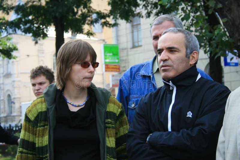 Politiques Marina Litvinovich et Garry Kasparov à images stock