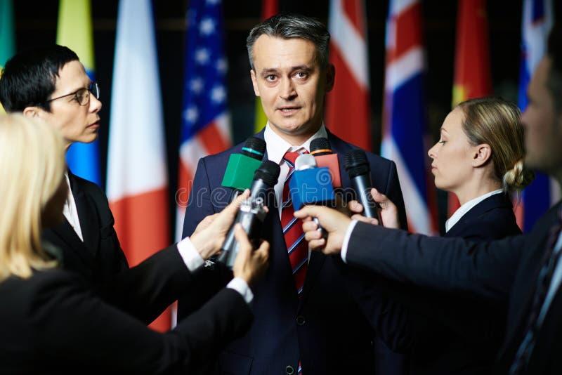 Politisk intervju royaltyfria foton