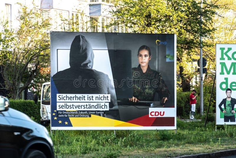 Politisk kampanjaffisch av CDU, tyskt politiskt parti fotografering för bildbyråer