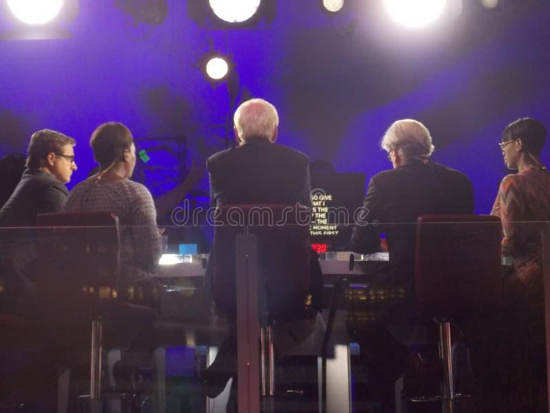 Politiska kommentatorer för MSNBC som filmar under DNC-regel royaltyfria bilder