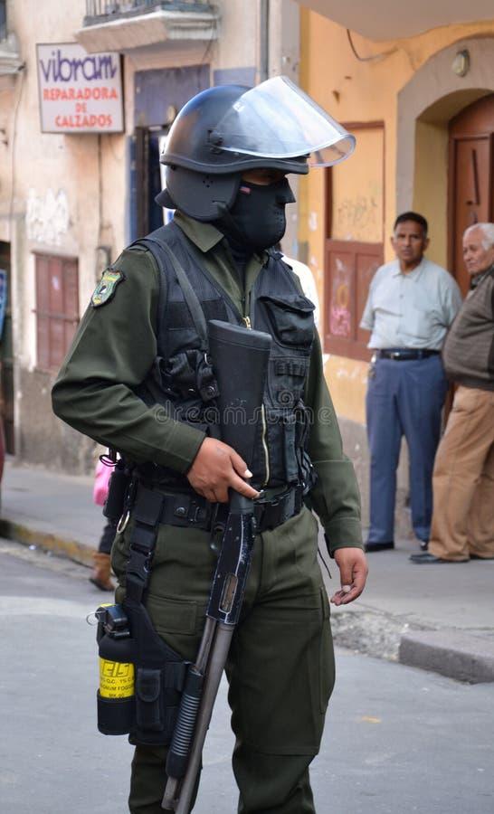 Polizei bemannt in La Paz stockbilder