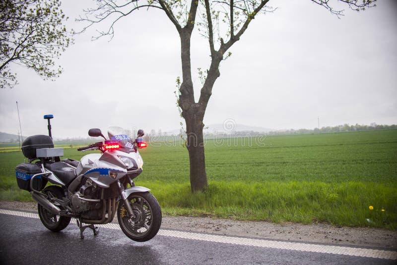 Polizei benutzte Honda-Motorräder im Autobahnunfallort lizenzfreie stockbilder