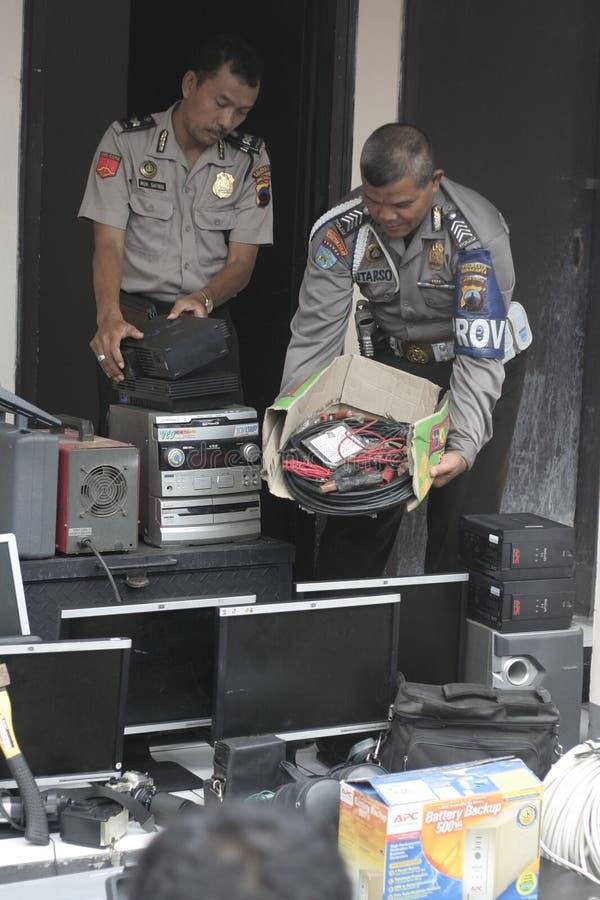 Polizei leitet Hunderte der gerichtlichen Verfallserklärung vom Beweis gegen Verbrechen-Ergebnisse stockbild