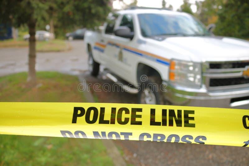 Polizei nimmt am Tatort auf stockfotografie