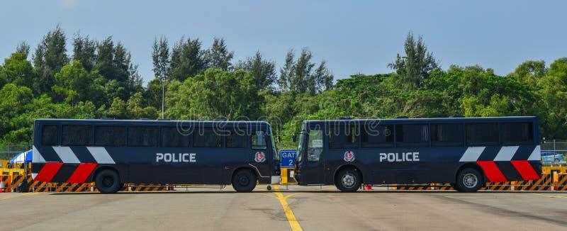Polizeiwagenparkplatz am Park lizenzfreie stockbilder