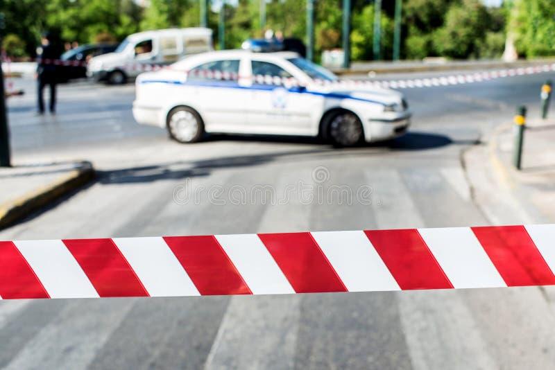 Polizia che chiude il traffico della strada immagine stock
