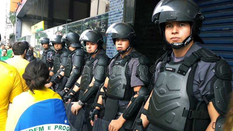 Polizia della truppa di scossa Dimostrazione a favore della democrazia Citt? di Sao Paulo, Brasile Sudamerica immagine stock libera da diritti
