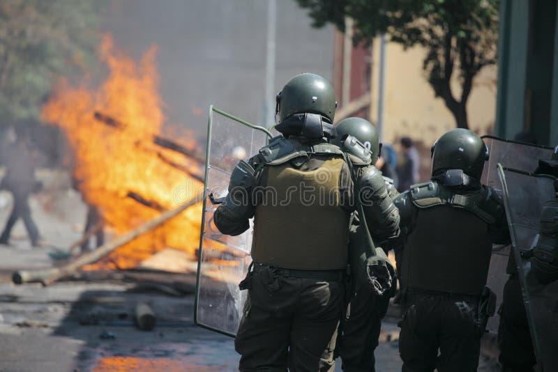 Polizia di tumulto nel Cile fotografie stock libere da diritti