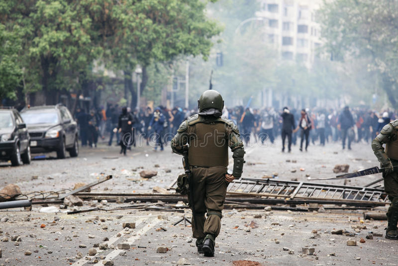 Polizia di tumulto nel Cile immagine stock