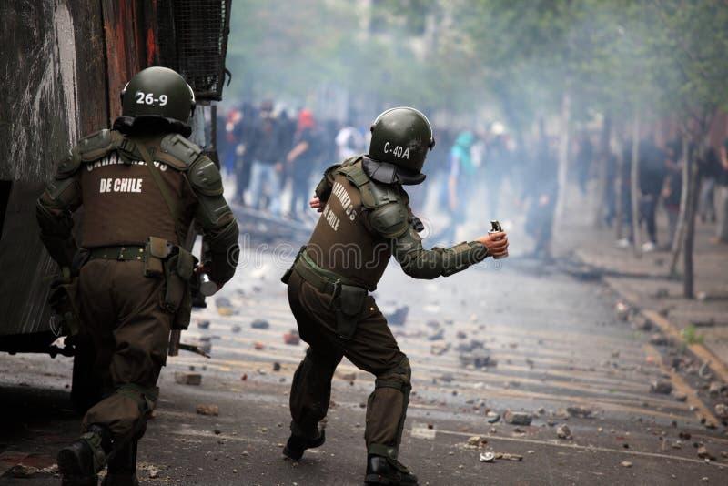 Polizia di tumulto nel Cile fotografia stock