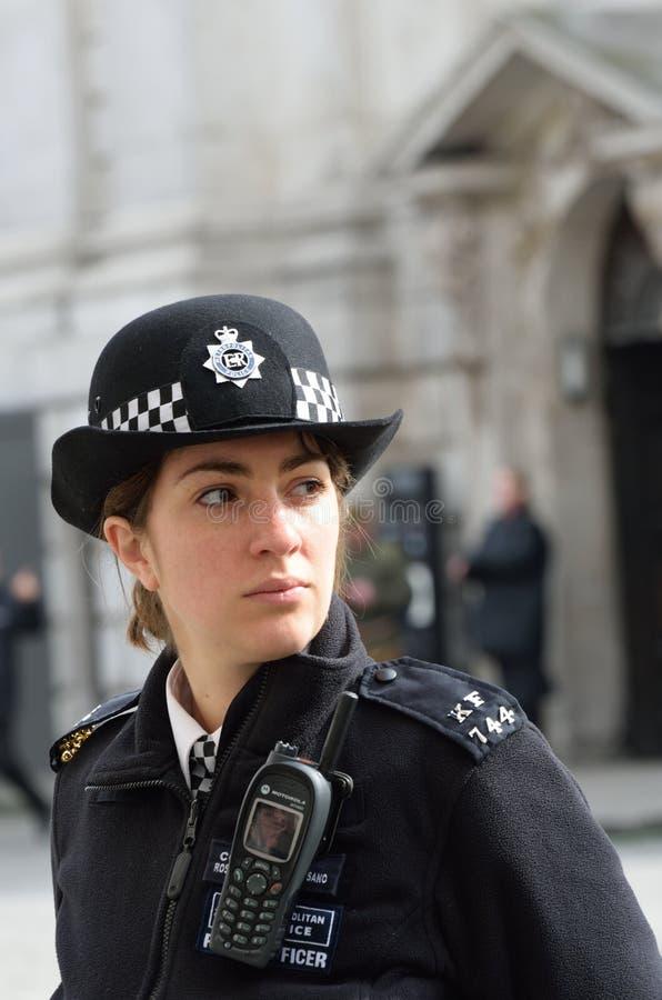 Poliziotta in servizio fotografie stock libere da diritti