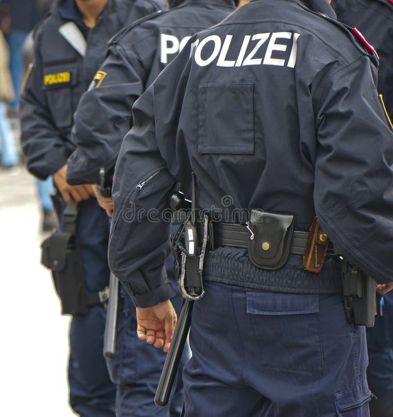 Polizisten im Dienst lizenzfreies stockfoto