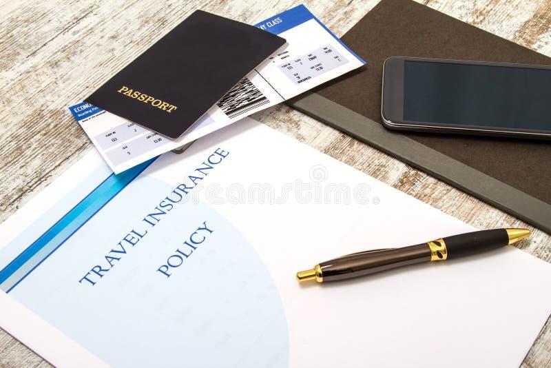 Download Polizza D'assicurazione Di Viaggio Fotografia Stock - Immagine di imbarco, passaporto: 56889136