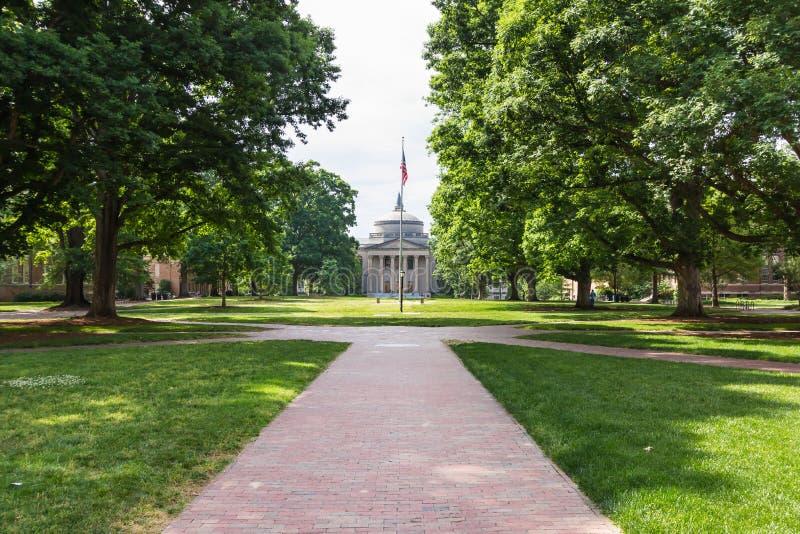 Polk ställe och Wilson Library på denkapell kullen fotografering för bildbyråer