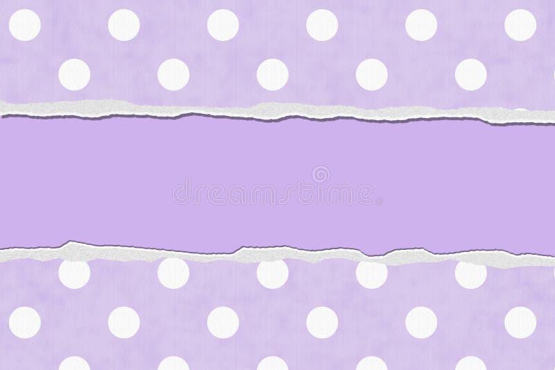 Polka porpora Dot Torn Background per il vostro messaggio o invito fotografia stock libera da diritti