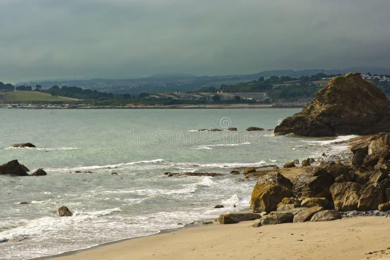 Polkerris strand och kustlinje, Cornwall, England arkivbilder
