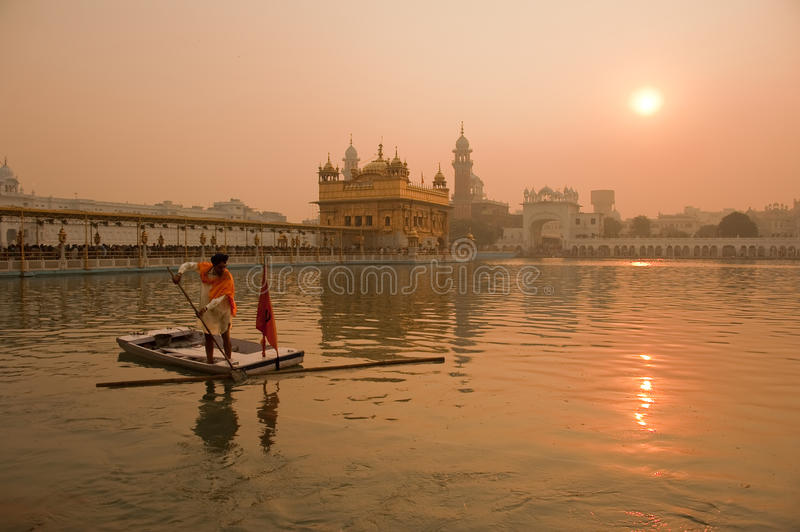 Poll Cleaner at the Golden Temple, Amritsar stock photos