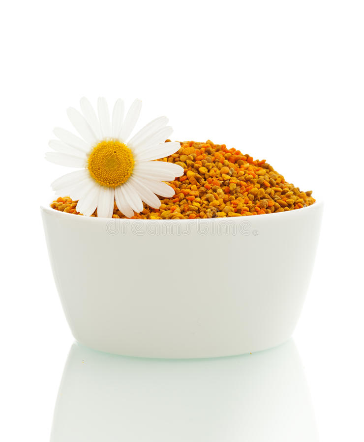 Download Pollen In A Bowl With Daisy Stock Photo - Image: 27410474