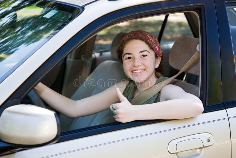 Pollici teenager del driver in su fotografie stock libere da diritti