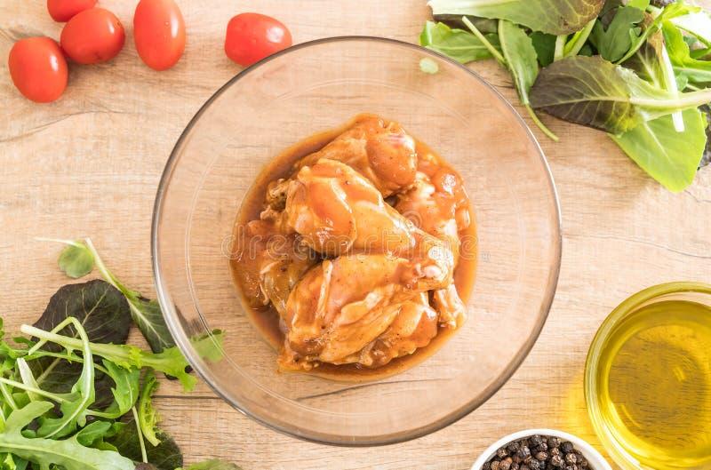 pollo adobado con la salsa fotografía de archivo