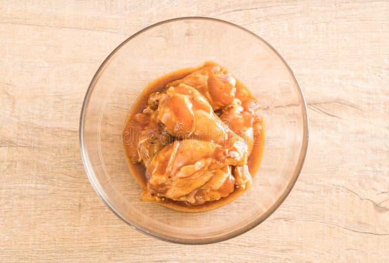 pollo adobado con la salsa fotografía de archivo libre de regalías