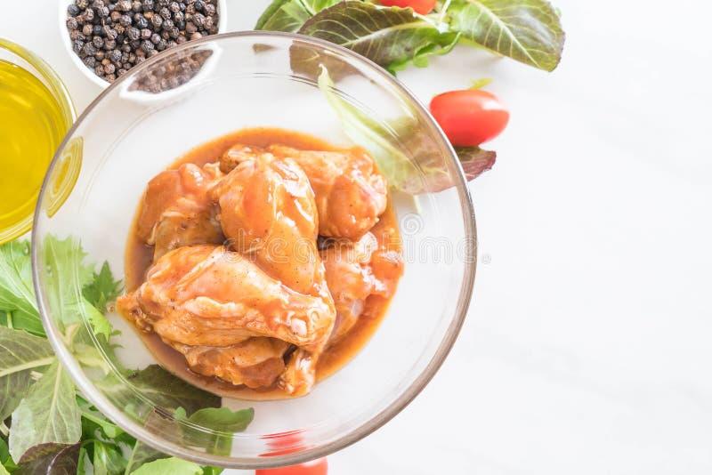 pollo adobado con la salsa foto de archivo libre de regalías