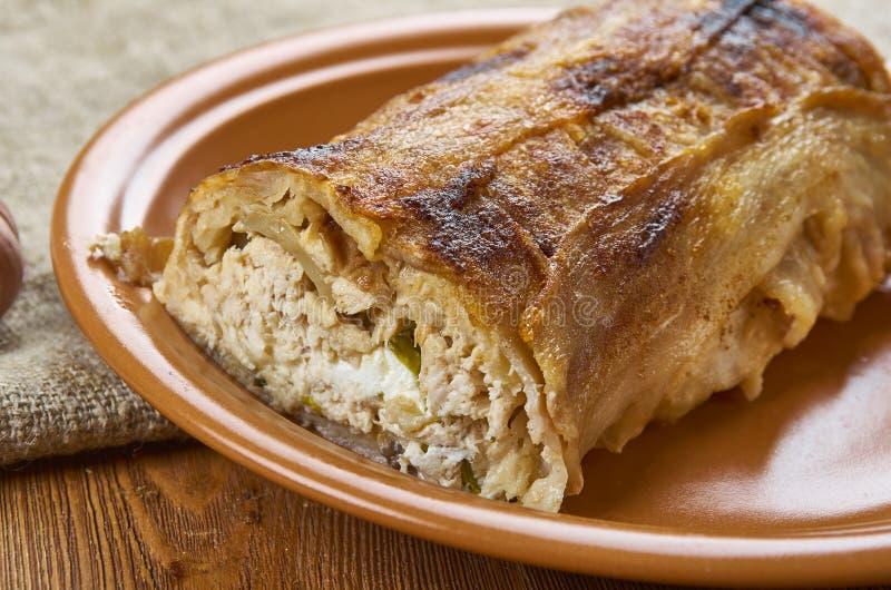 Pollo Alfredo Lasagna Roll del bacon immagine stock