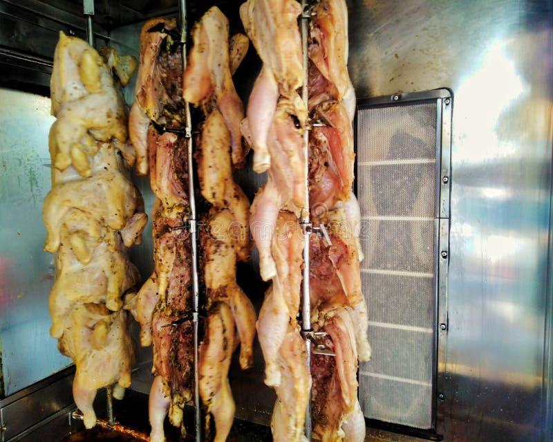Pollo arrostito nel forno fotografia stock
