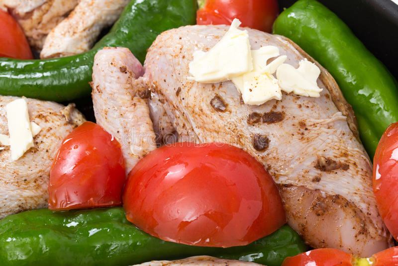 Pollo arrosto crudo per cucinare fotografia stock