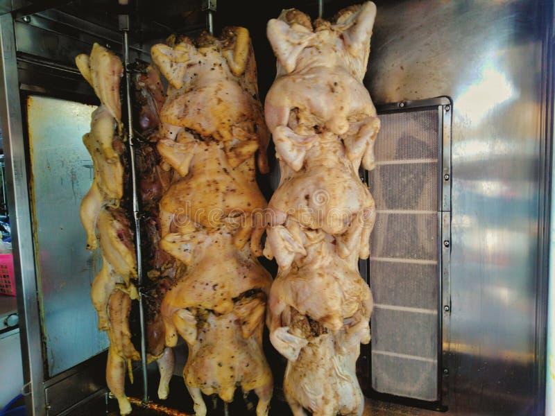 Pollo asado en el horno imágenes de archivo libres de regalías