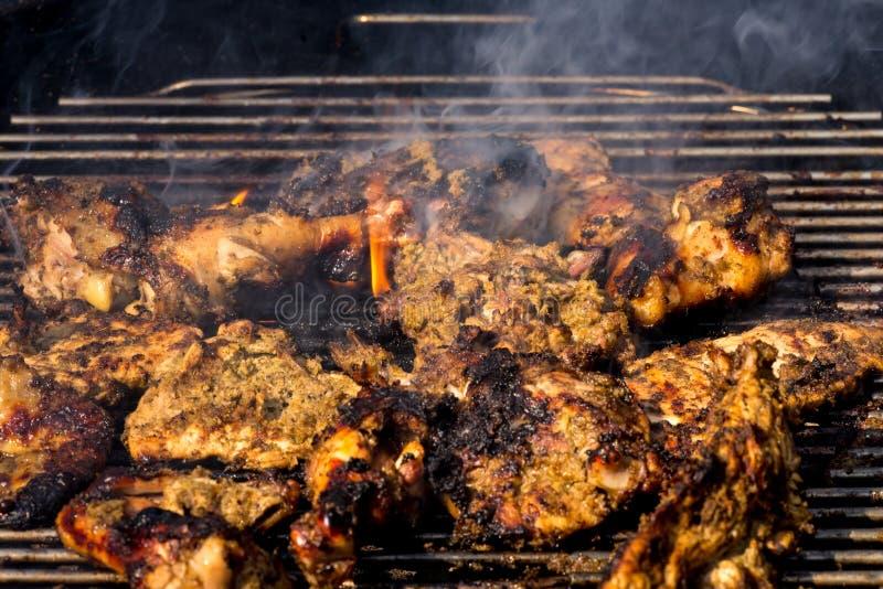 Pollo asado a la parrilla picante del tirón fotografía de archivo