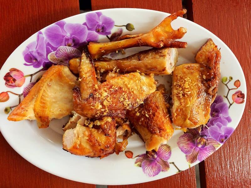 Pollo asado a la parrilla tailandés de cocinar tailandés Gai Yang imagen de archivo libre de regalías