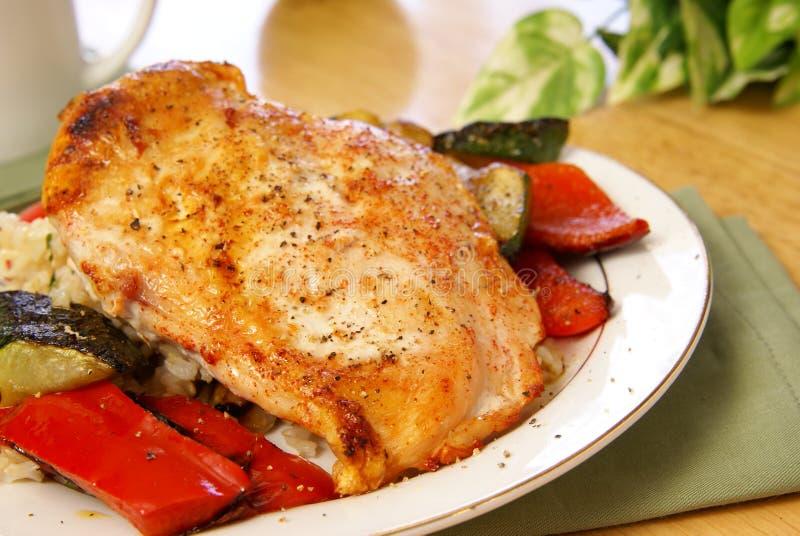 Pollo cotto alla griglia del pepe fotografia stock