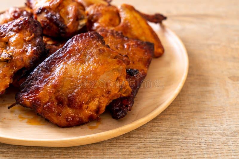 pollo del barbecue e arrostito immagini stock