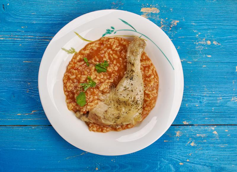 Pollo di raggiro di arroz domenicano immagine stock