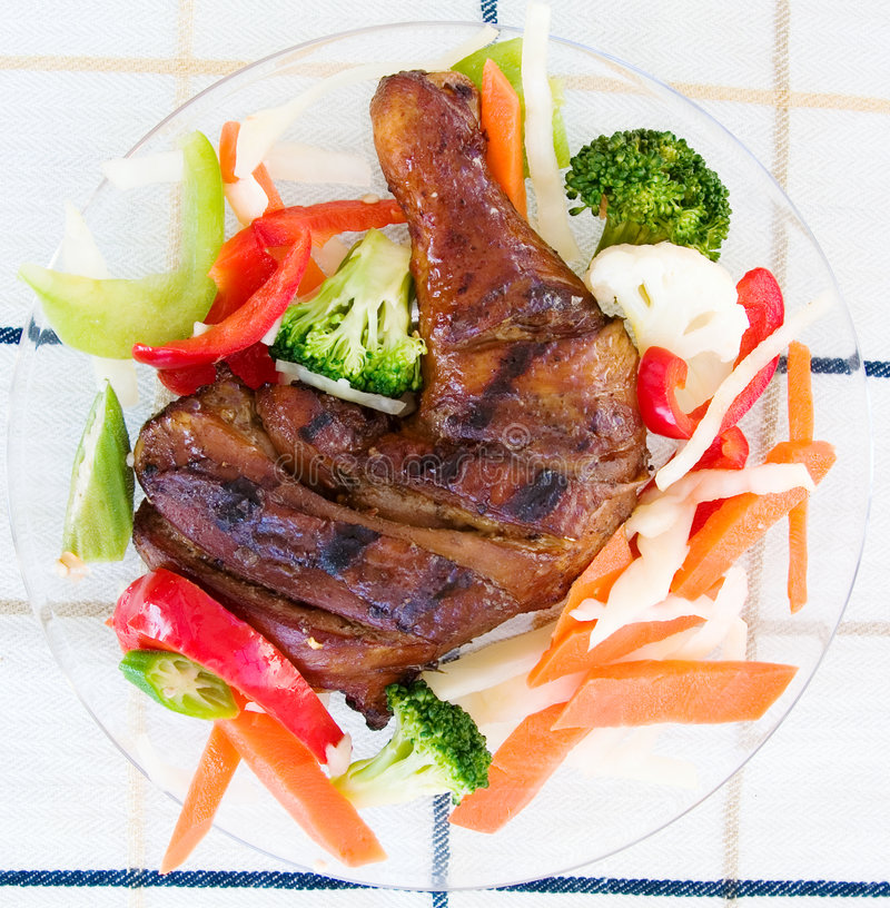 Pollo di scatto con le verdure immagine stock libera da diritti