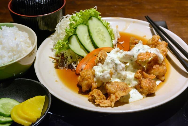 Pollo frito del japonés con arroz imagenes de archivo