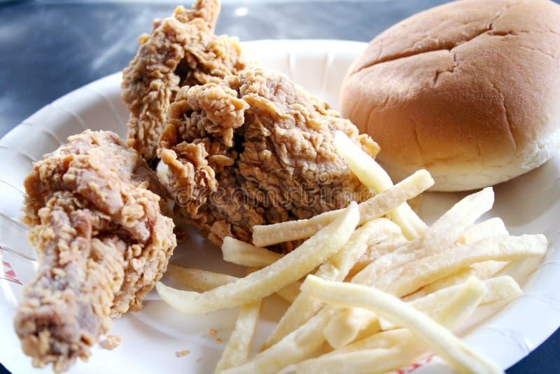 Pollo fritto & patate fritte immagine stock