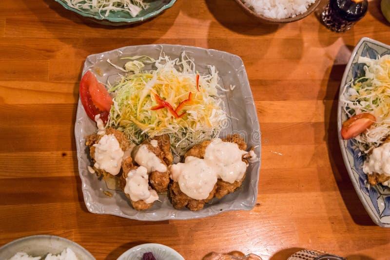 Pollo nanban - pollo infornato profondo con la salsa di tartaro fotografia stock libera da diritti