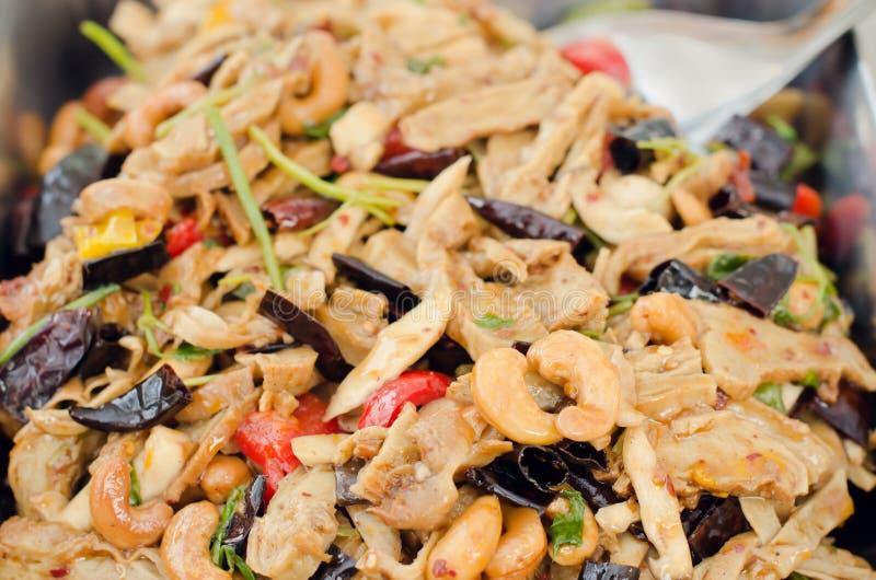 Pollo in padella con l'alimento tailandese delizioso degli anacardi fotografie stock
