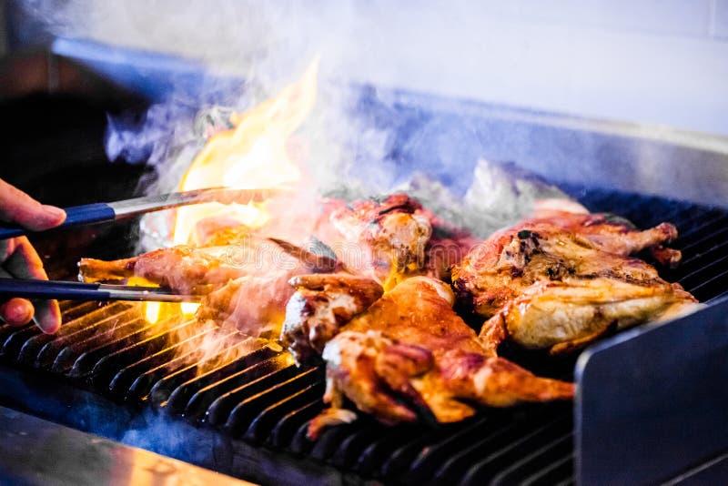 Pollo portoghese sulla griglia immagini stock libere da diritti
