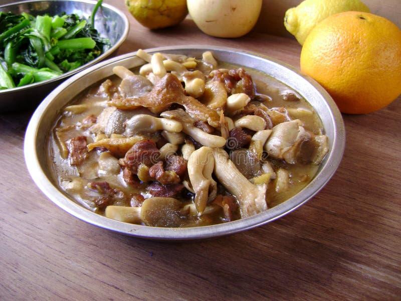 Pollo wolfberry chino con la seta foto de archivo libre de regalías