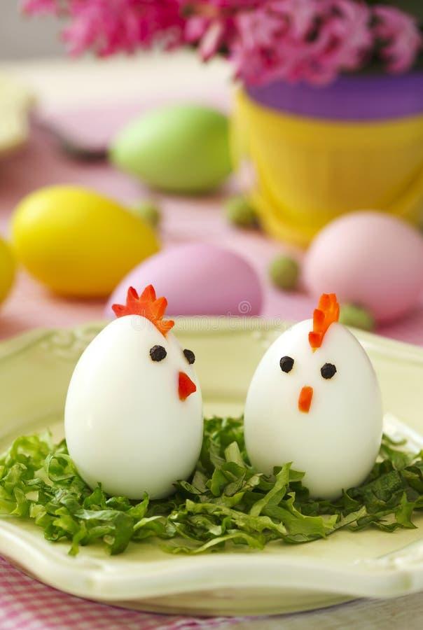 Pollos divertidos de los huevos fotografía de archivo libre de regalías