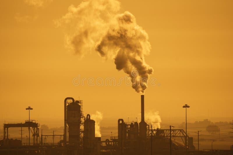 Pollution atmosphérique industrielle images libres de droits