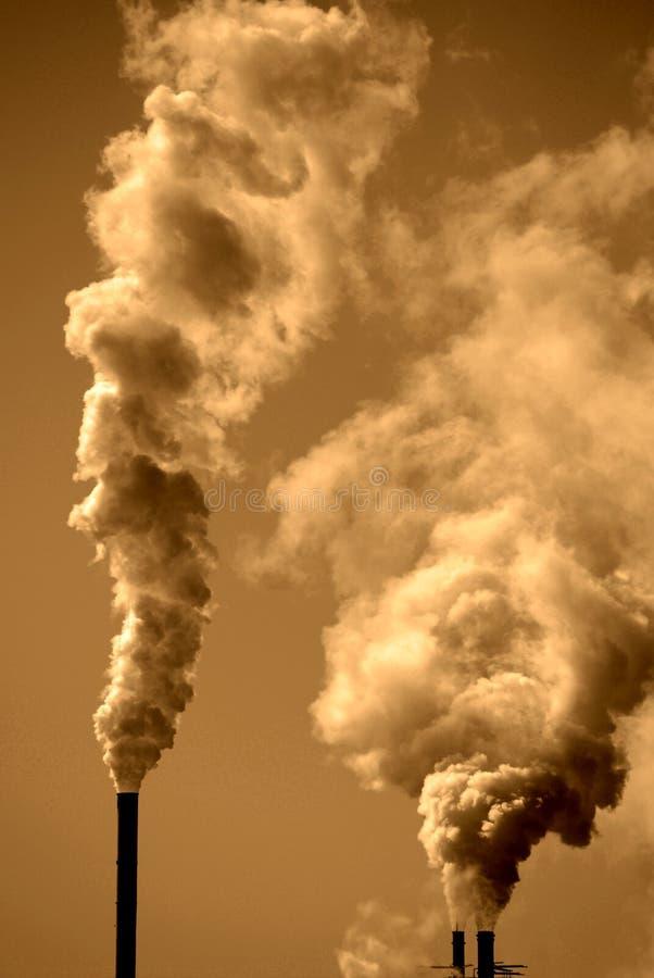 Pollution dans le ciel image stock
