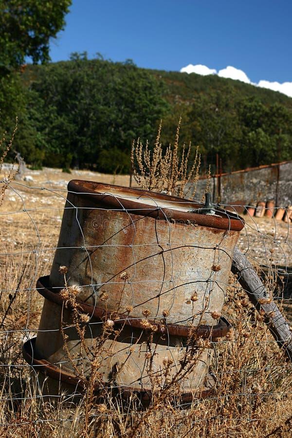 Pollution de réservoir d'huile photo stock