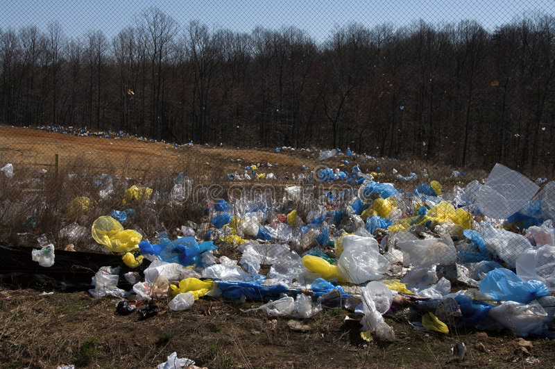 Pollution de sachets en plastique images libres de droits