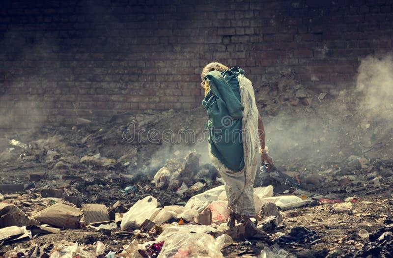 Pollution et pauvreté image stock