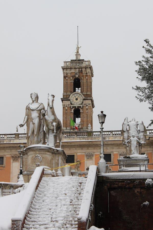Pollux statua pod śniegiem obrazy royalty free