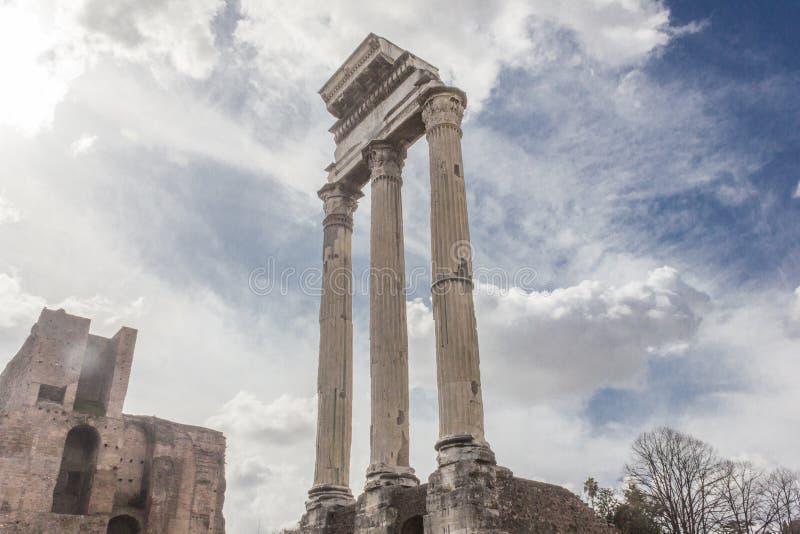Pollux tempel i Roman Forum arkivbilder